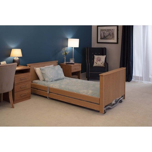 Bradshaw Low Light Oak roomset